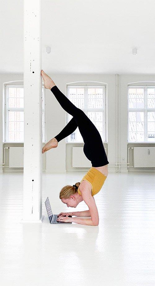 pincha mayurasana working upside down